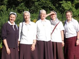Pirmosios seserys bendruomenė parke 2013 m.